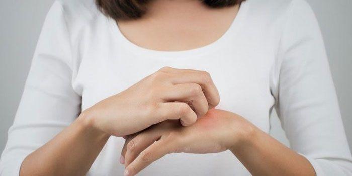 mi okozza a gyors erekciót a férfiaknál pénisz ellen valami nyugszik