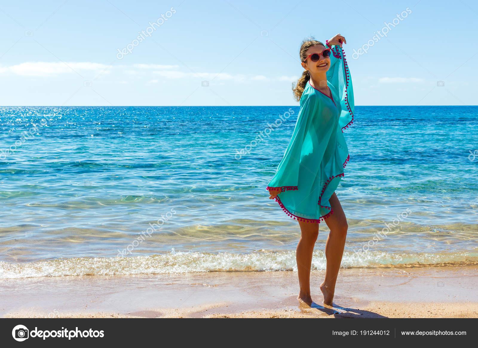 fénykép pufók a tengerparton)