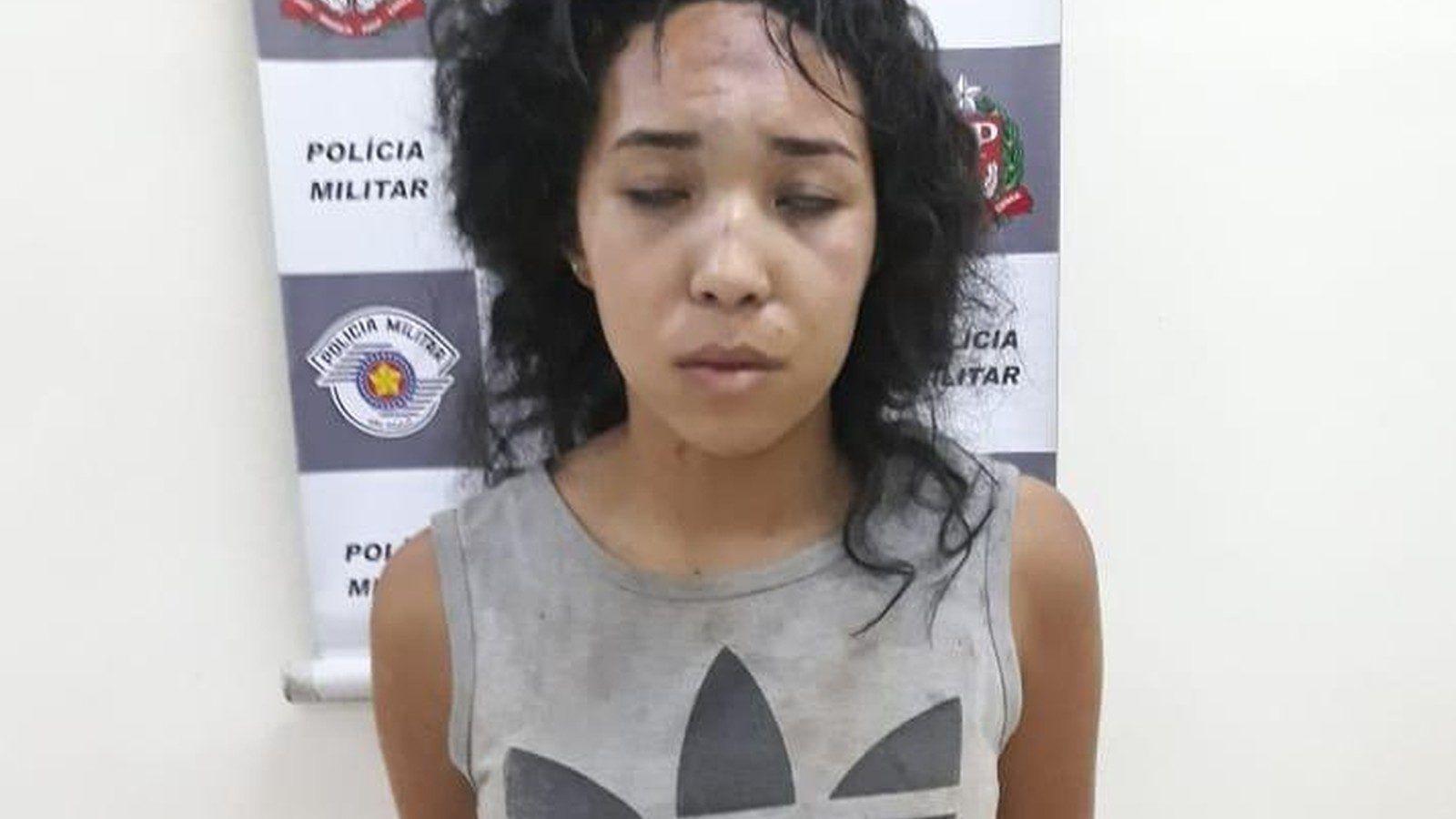 nő levágta a péniszemet)