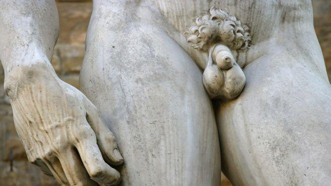 a pénisz az életkorral zsugorodik)
