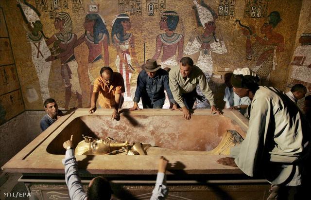 múmia és merevedés