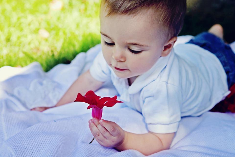 merevedés 4 hónapos gyermeknél)