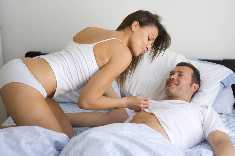 kényelmes helyzet egy kis pénisz számára)