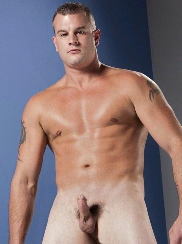 meztelen férfiak péniszekkel