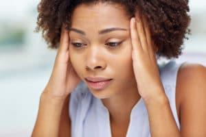 erekció során súlyos fejfájás)