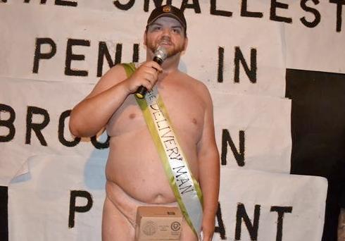 Elárverezték a világ legnagyobb kitömött péniszét